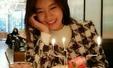 배우 유선, 생일 케이크 앞 환한 미소