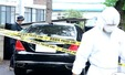 이인원 부회장 차량 감식 하는 경찰
