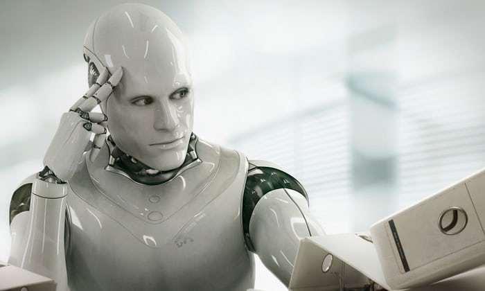 뛰어가는 기술, 기어가는 인간 - 인공지능 시대의 ...