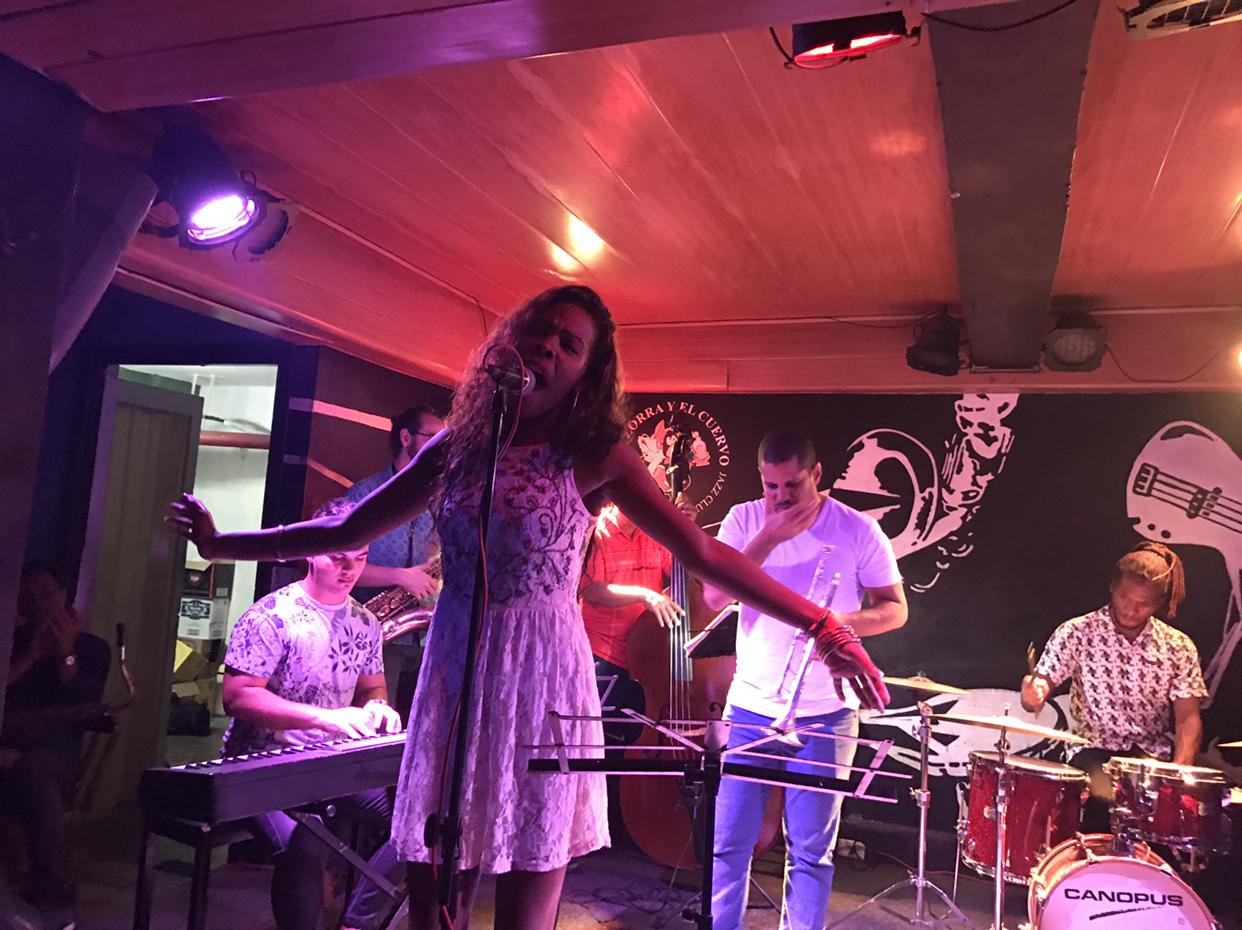 쿠바의 디바 메이비 목소리에 홀리다 - 음악이 넘...
