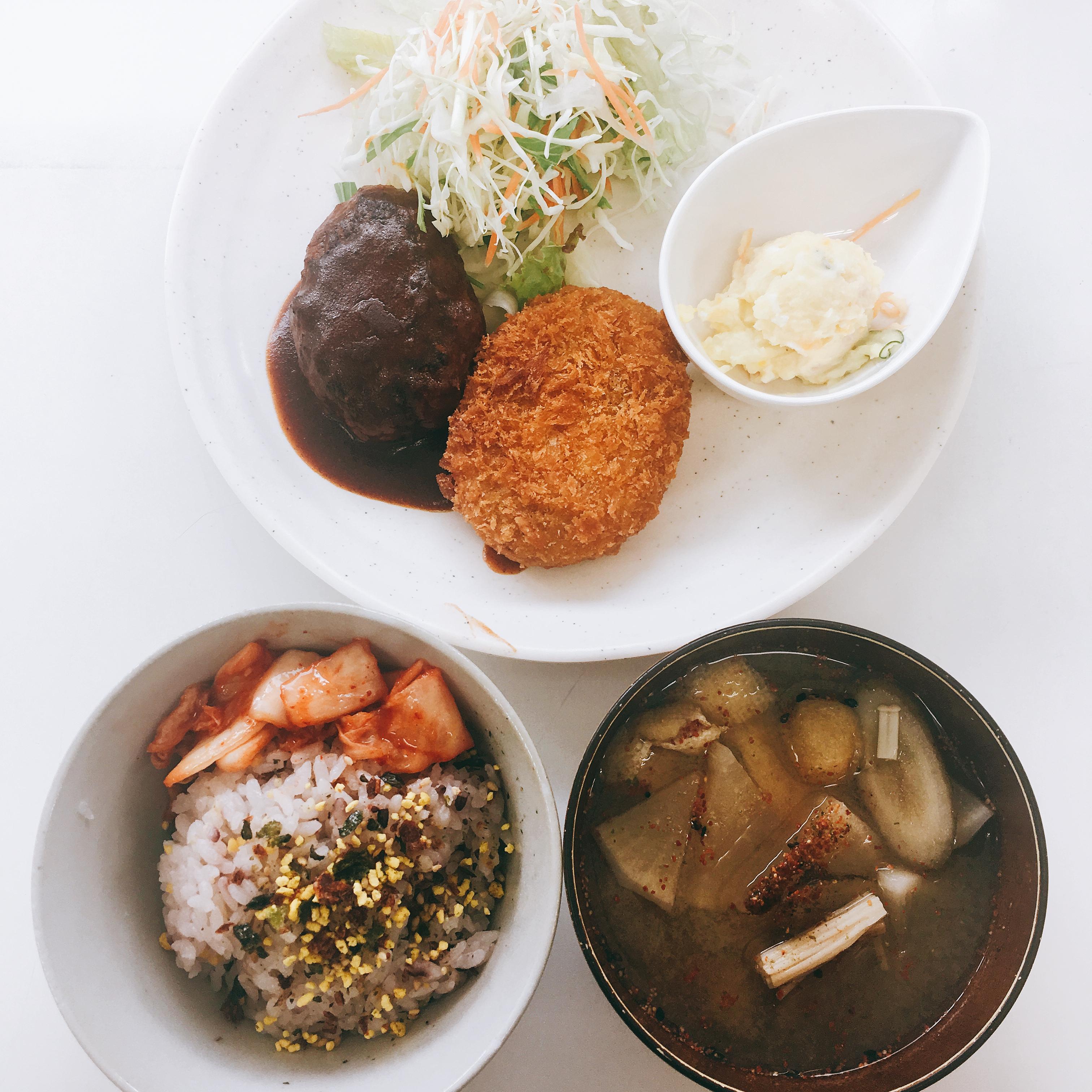 어느 일본 회사의 식당 메뉴