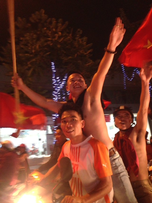 우연히 만난 베트남의 축구 열기