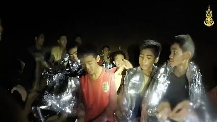 동굴에 갇힌 태국 소년들의 무사 귀환을 바라며 - ...