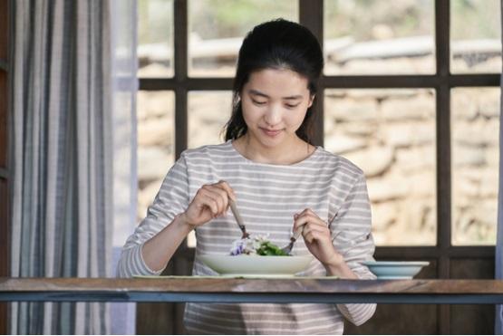 김태리가 너무 예뻐서 요리 뽐뿌 오는 영화 - 영화...