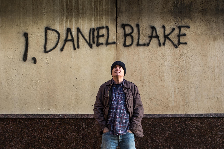 코코넛과 상어 - I, DANIEL BLAKE로부터, 런던 화...