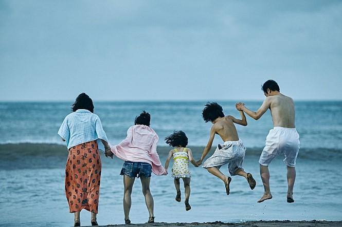 주워진 가족 - <어느 가족>: 그래서 가족은 무엇인가?