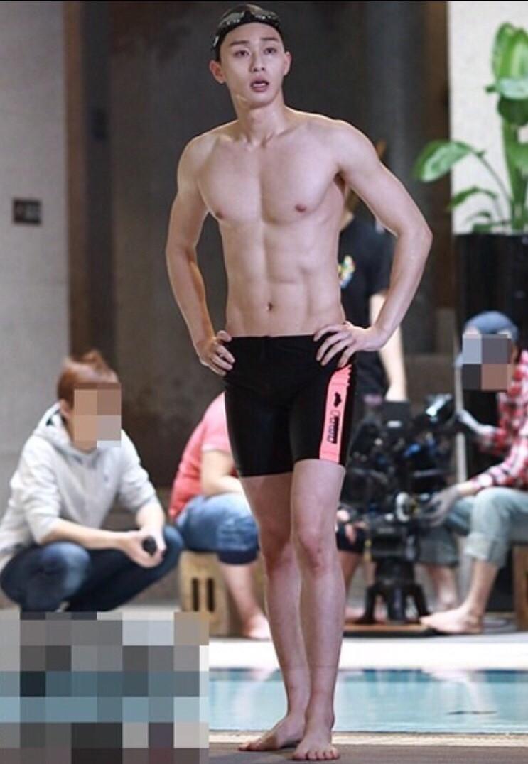 박서준의 얼굴은 아니더라도 몸매는 가질 수 있잖...