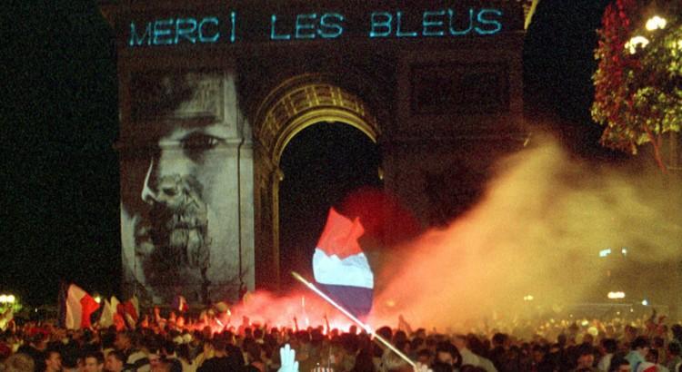 레 블뢰: 또 하나의 프랑스 역사, 1996-2016 - 프...