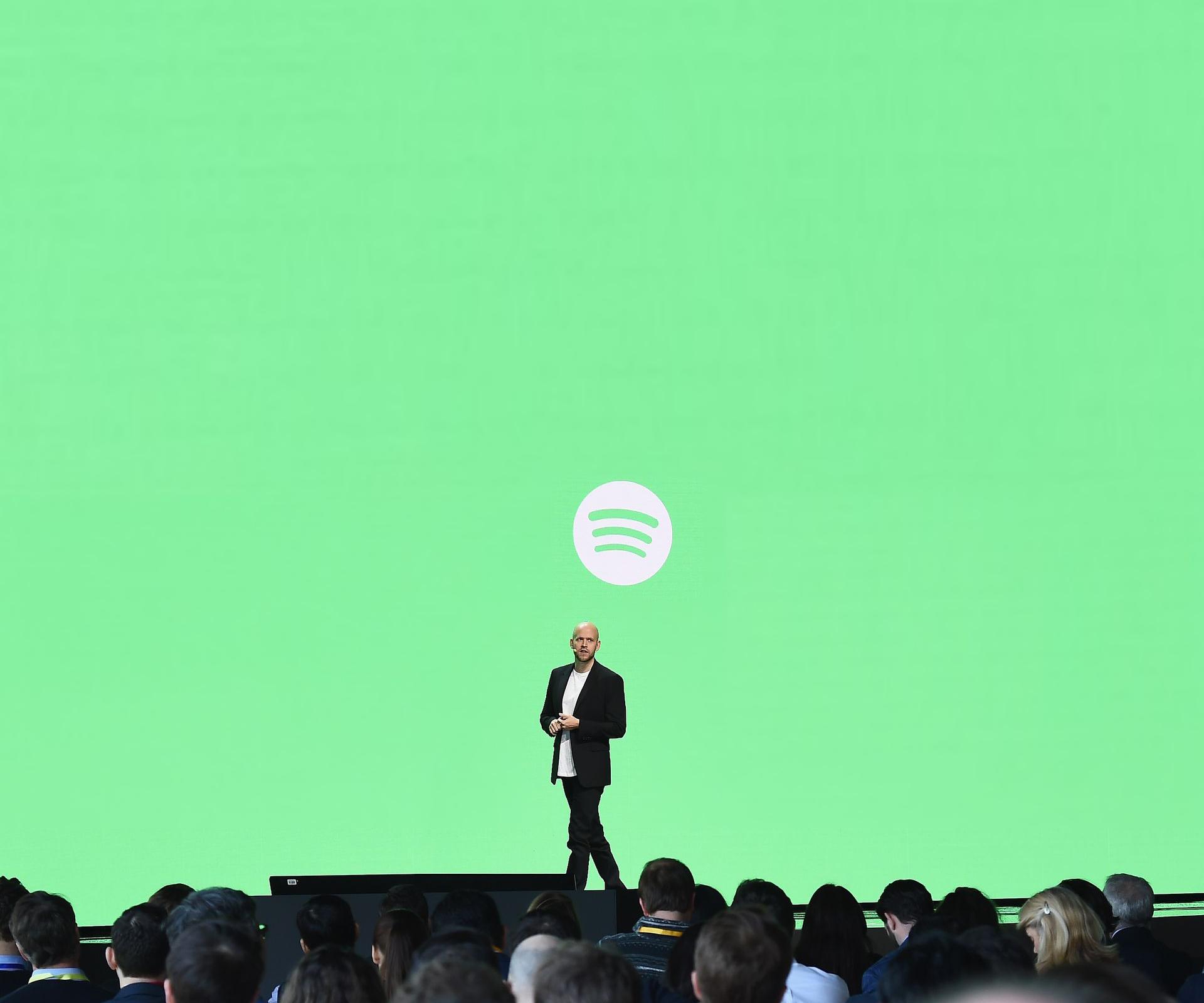 Spotify의 경쟁자, 라디오 - 애플 뮤직이나 판도라...