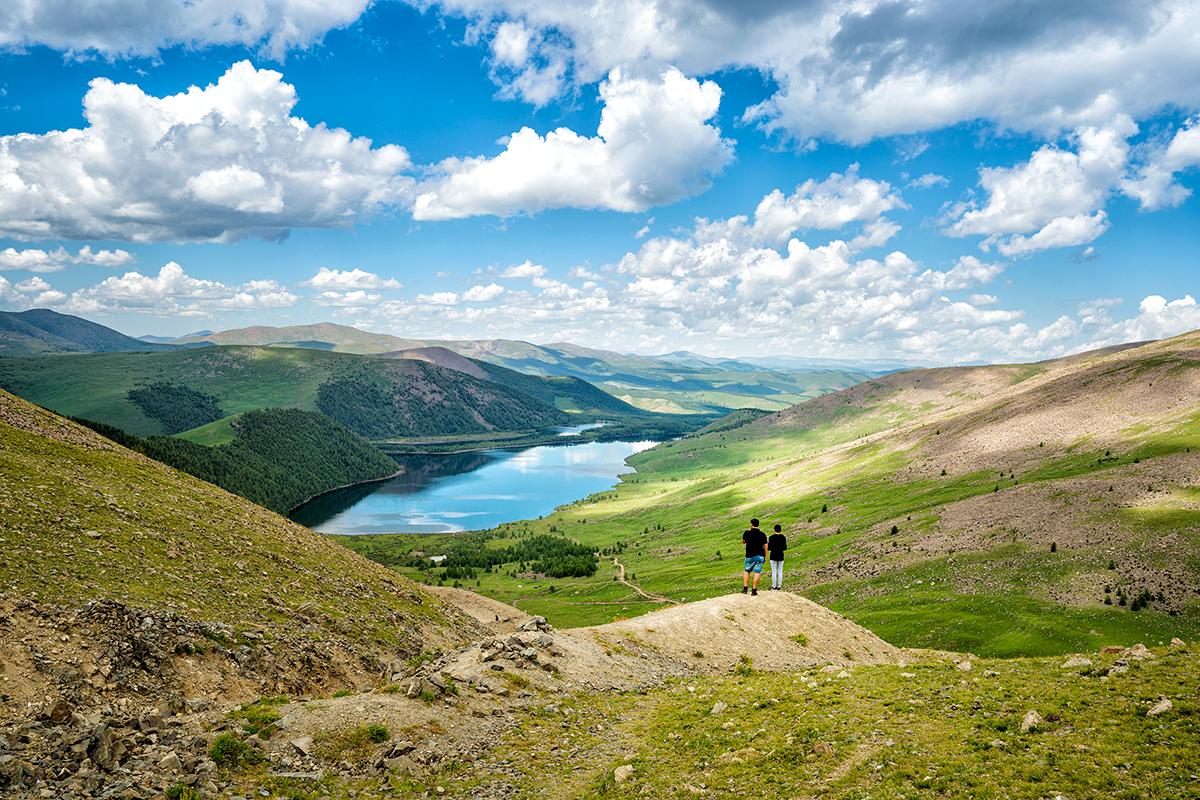 8개의 호수가 만나는 곳 몽골 나이망 호수 - 션표...