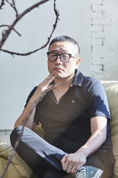 [인터뷰] '악녀' 정병길 감독, - 머리는 차갑게 가...