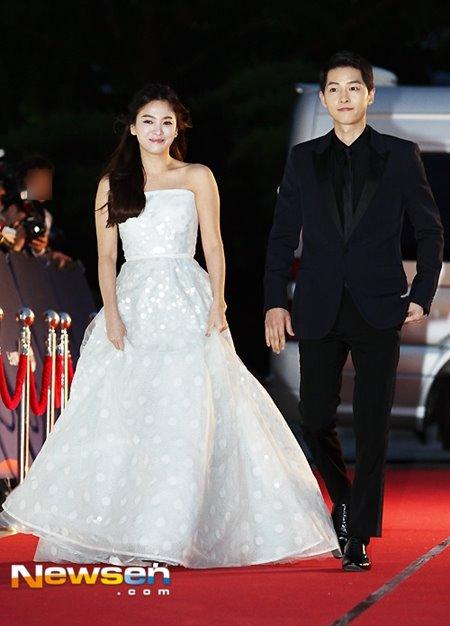 '태후 커플' 송혜교♥송중기 10월 31일 결혼