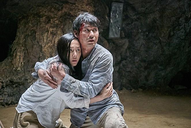 한국 공포 영화는 아직도 죽었다.
