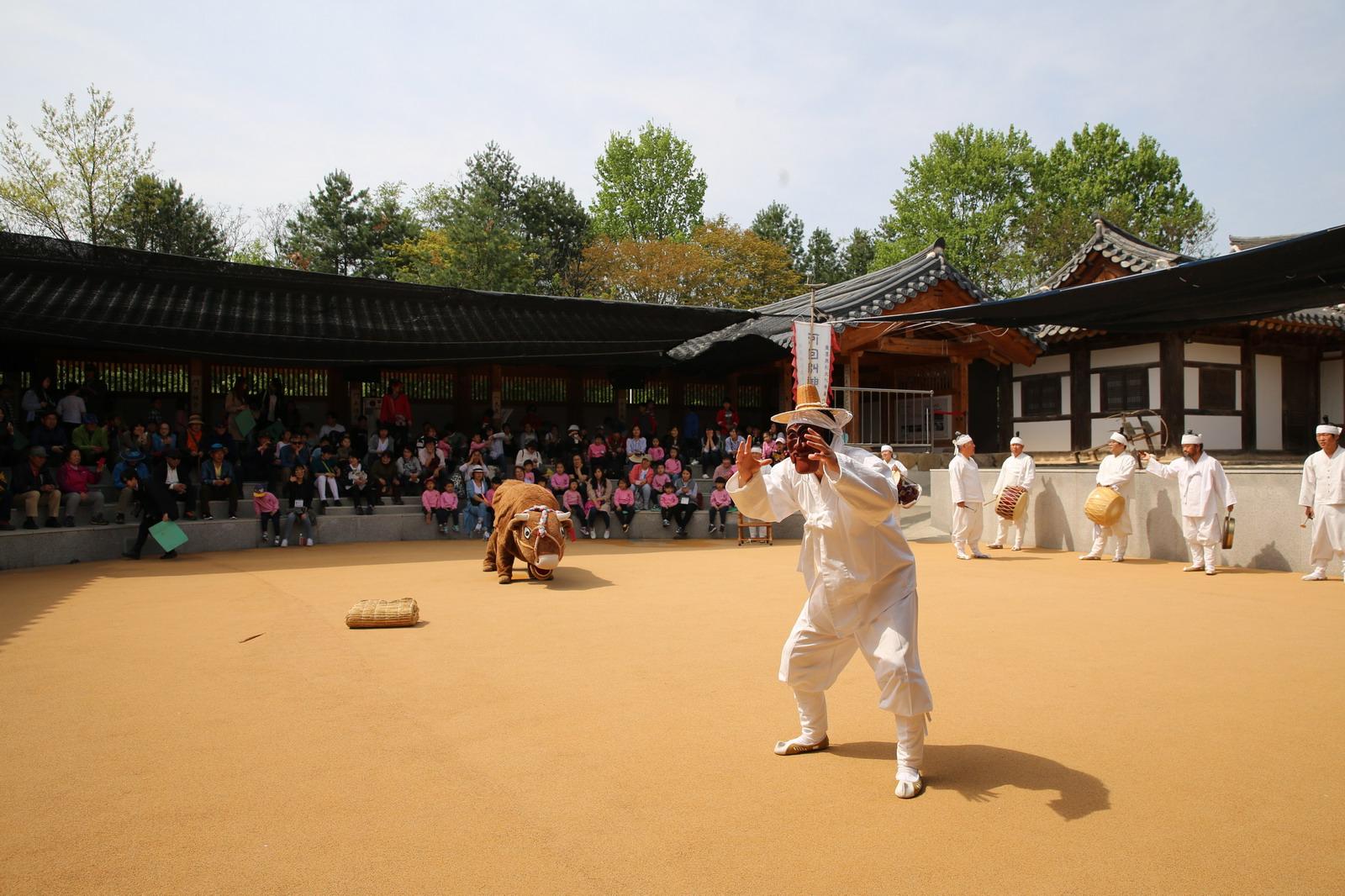 한국적인 색이란 - 안동 하회마을