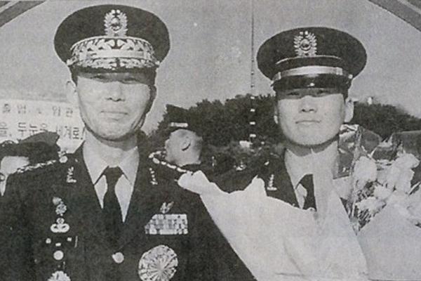 19년 전, 한 청년 장교가 숨졌다…그리고 - 故김훈...