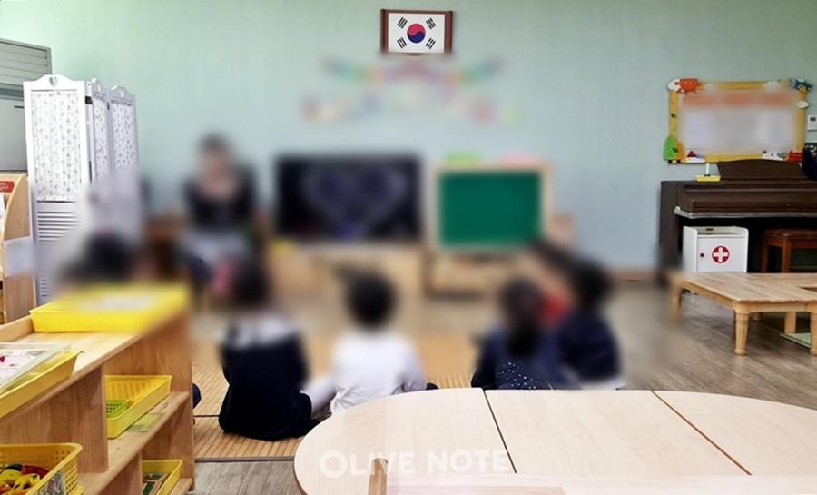 """유치원 학기중 폐원불가.학부모 """"아이들 위한 당연..."""