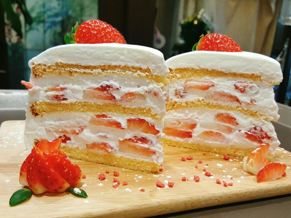 #7. [문학] 상실의 시대 - 딸기 쇼트 케이크
