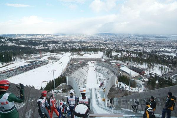 노르웨이 오슬로, 홀멘콜렌 스키 페스티벌 개최 - ...