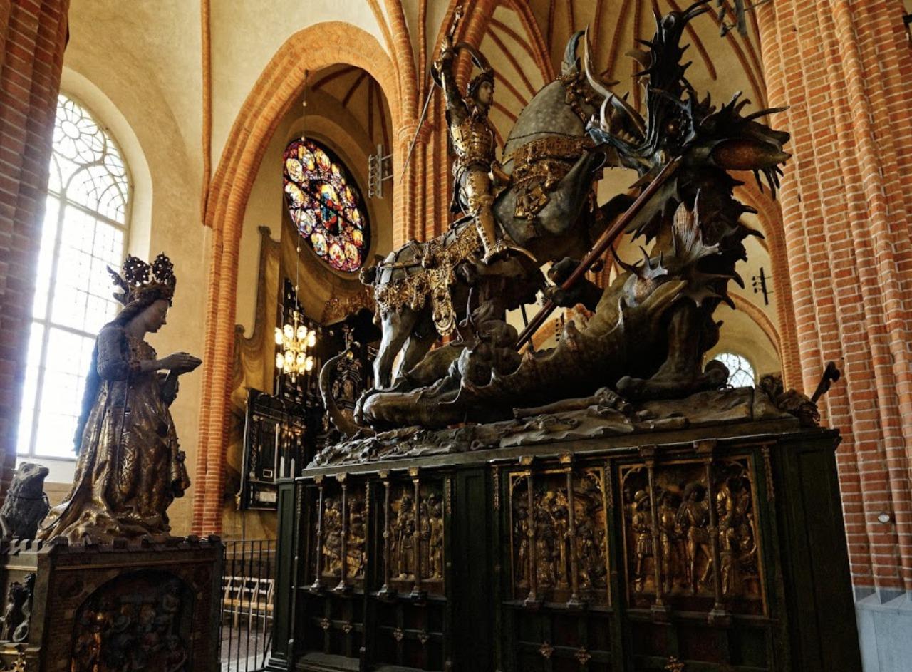 기독교 탄압에 스칸디나비아에서 쫓겨난 오딘과 토...