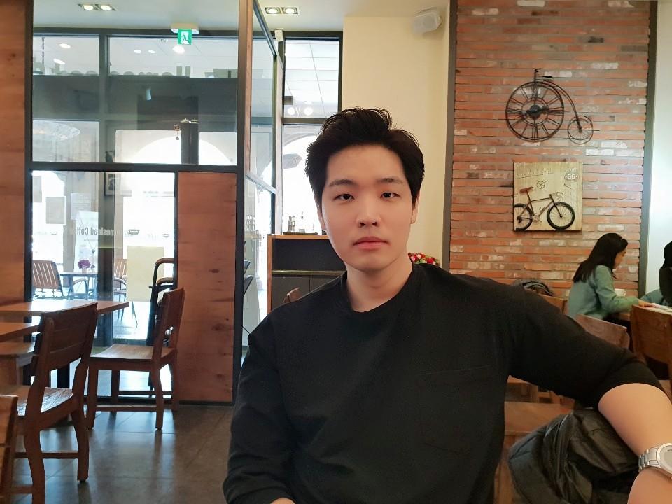 [황희두의 청터뷰(11)] 청년 '박진영' 편