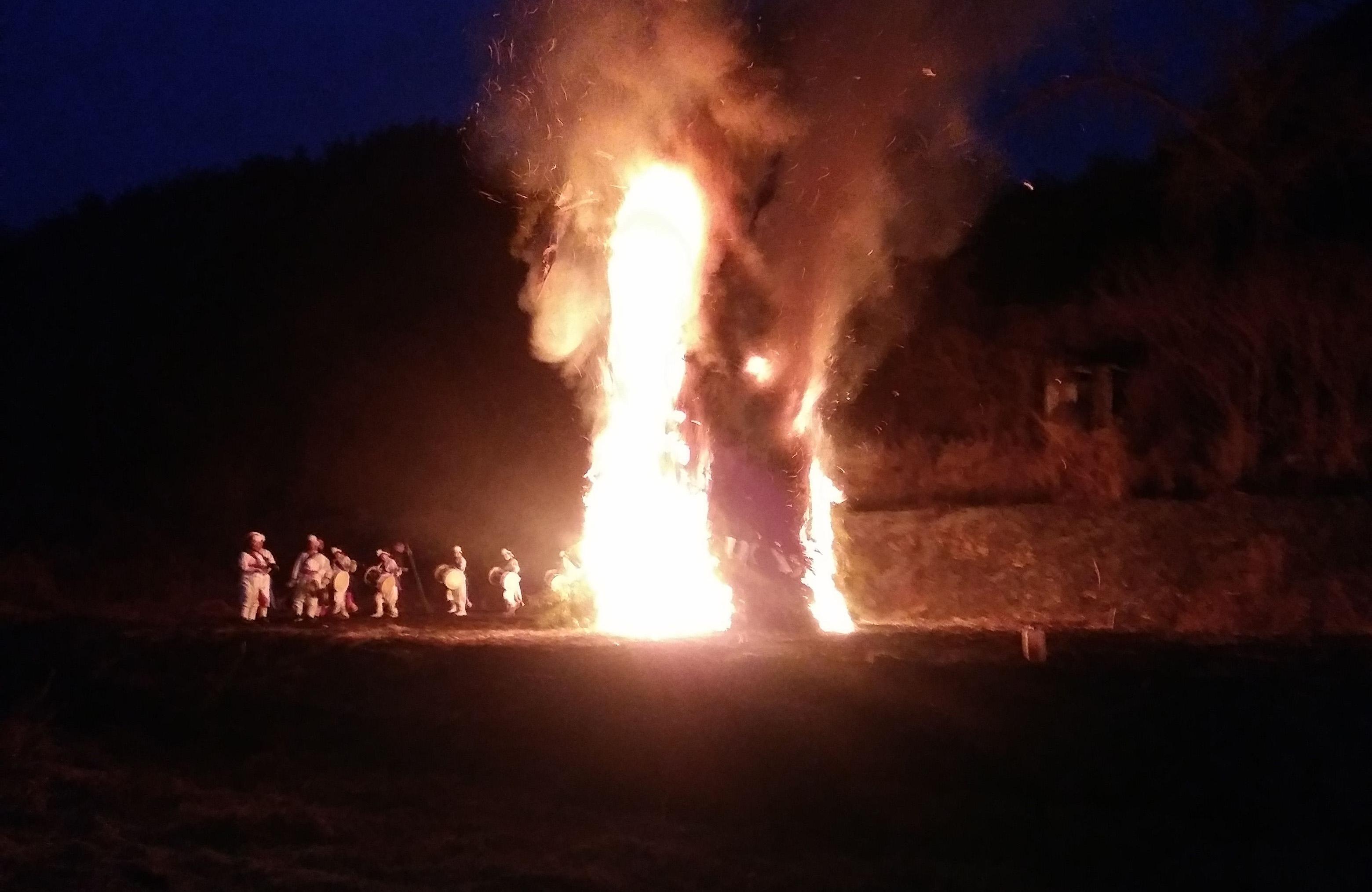 산골살이 특권 중에 특권, 정월대보름 달집 태우기