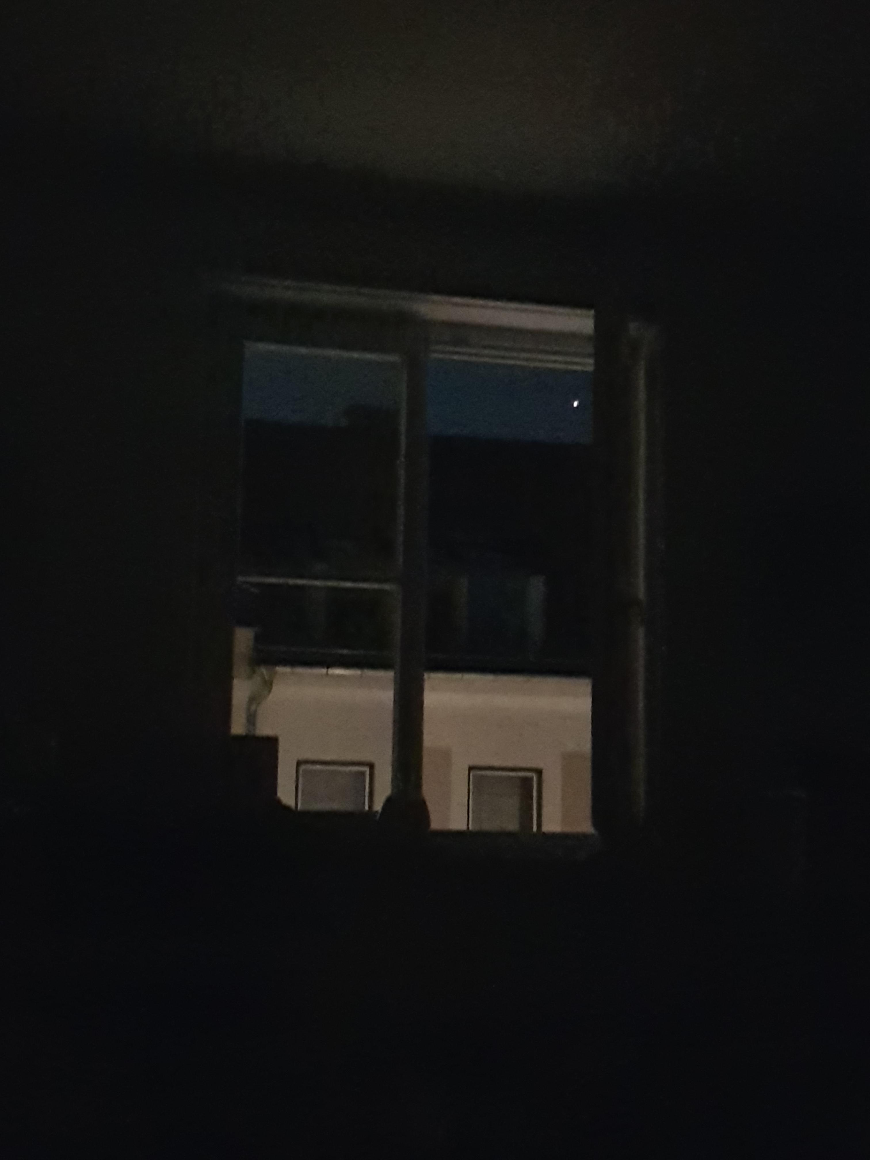 별이 뜨는 소리에 잠이 깨다