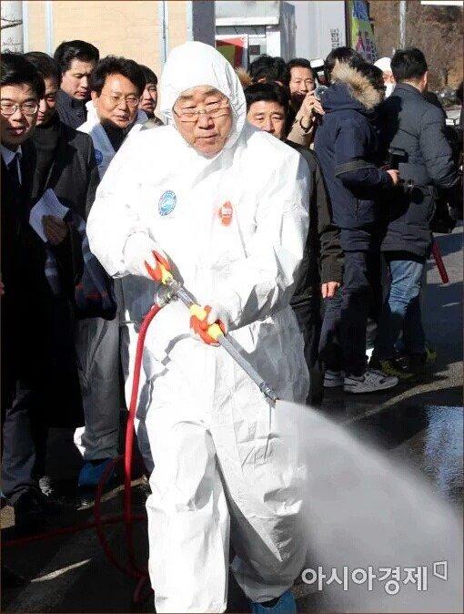 문재인과 반기문의 코스프레, 아니, 한국 정치인들의.