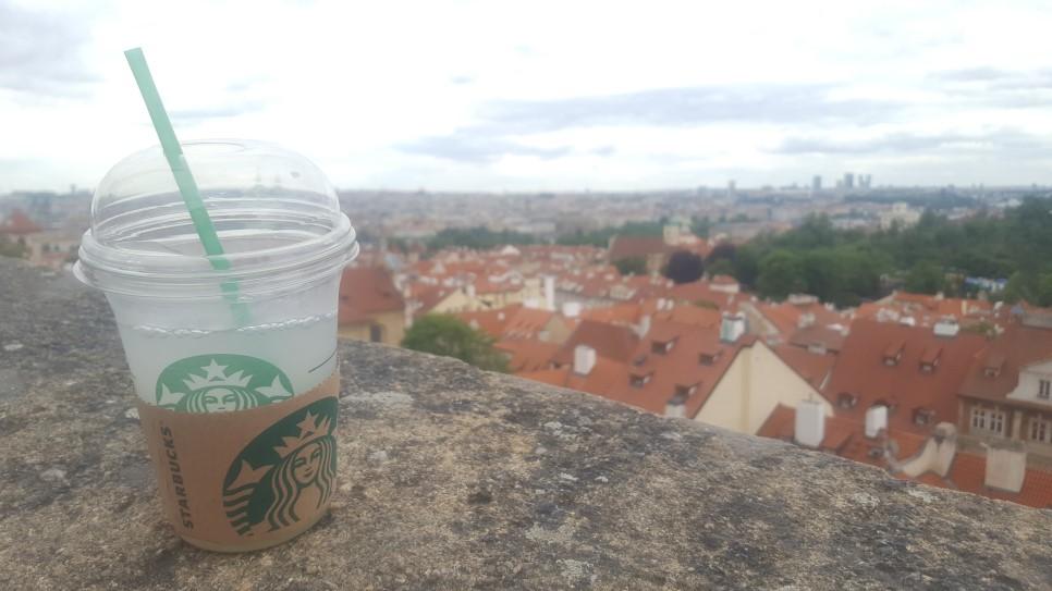 출근길, 커피 한잔하셨나요?
