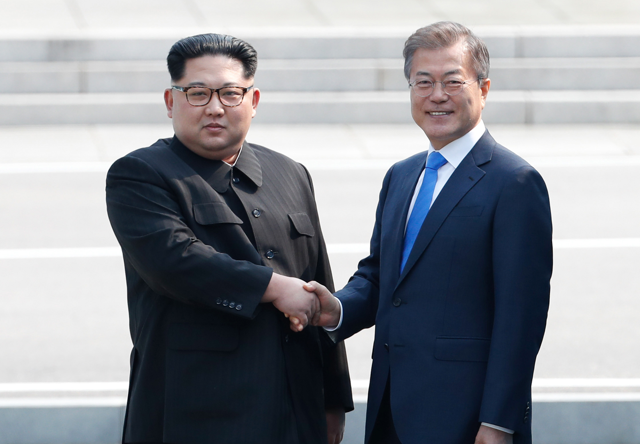 """""""나 문재인, 저 김정은"""""""