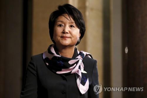 """""""보고싶다"""" 편지 보내온 초등학생들 방문한 김정숙..."""