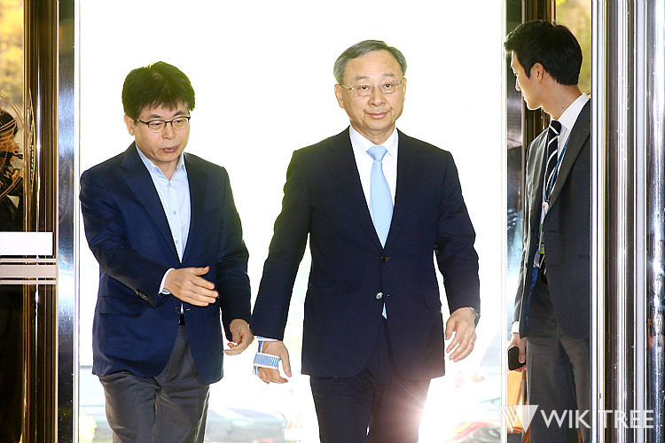 '불법 정치자금 기부 의혹' KT 황창규 회장