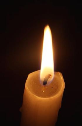 4월의 알맹이와 11월의 촛불 - 열세 번째 시. 신동...
