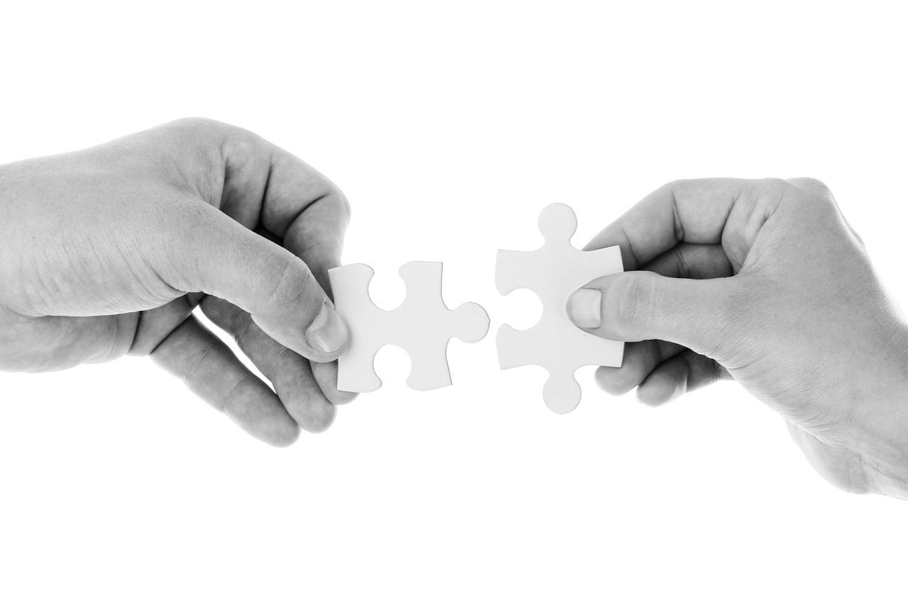 공유와 협력 경제 패러다임의 비트코인 비판론 - [...