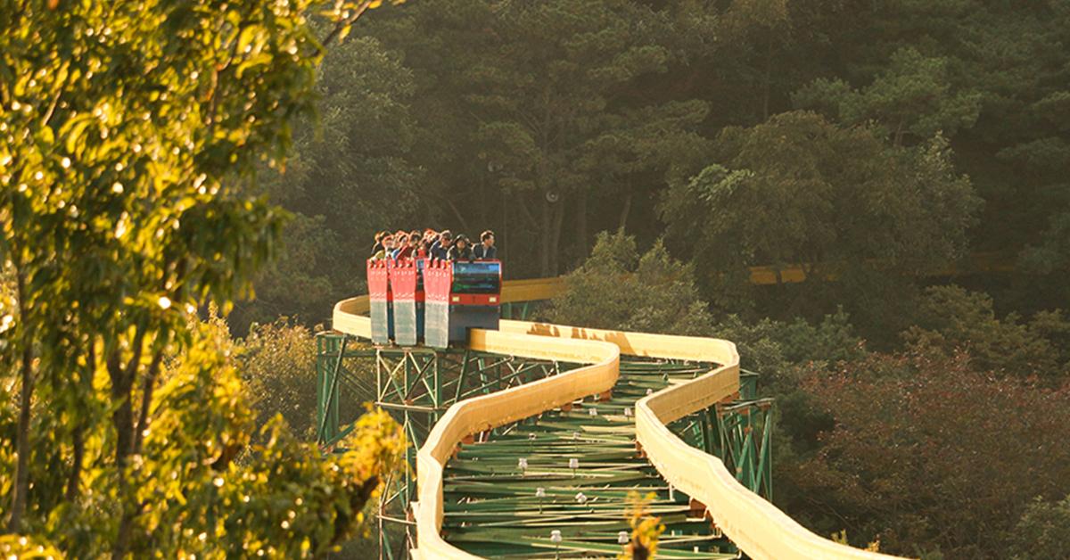 광주 무등산, 그 꼭대기를 가로지르는 열차.