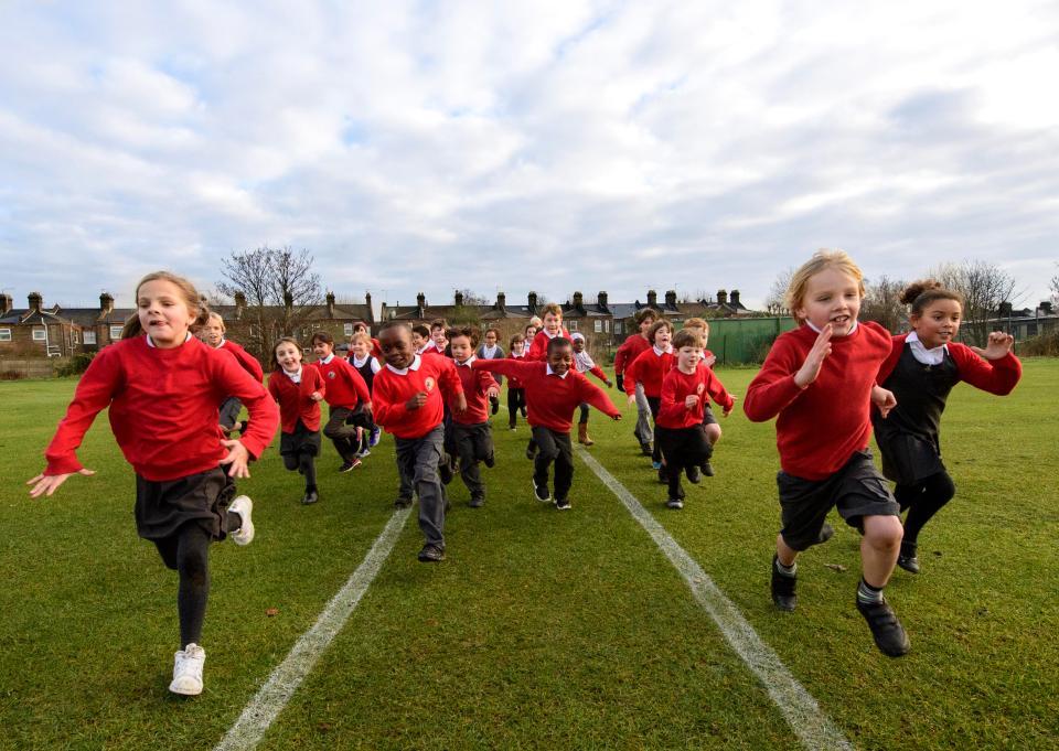 매일 1.6km를 뛰는 영국 초등학생들
