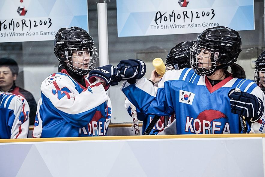 국가대표2, 잘 만든 치킨 같은 영화 - fresh review