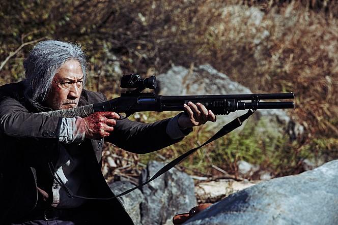 백발의 람보 그리고 등 근육 - 영화 '사냥' 안성기
