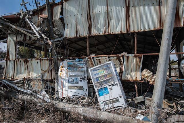 지진과 원전 사고 피해를 동시에 겪은 도미오카 마을일부는 마치 전쟁이 벌어진 것 같은 풍경을 연출한다. 피에르 엠마뉴엘 델레트헤 프리랜서 기자 pedeletree@gmail.com