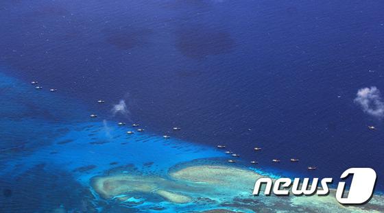 남중국해 스프래틀리 제도의 중국 인공섬 피어리크로스 암초(중국명 융수자오·永暑礁). © AFP=뉴스1