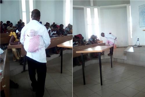 수업시간에 제자의 아기를 업어준 카이 교수 [페이스북 캡처]