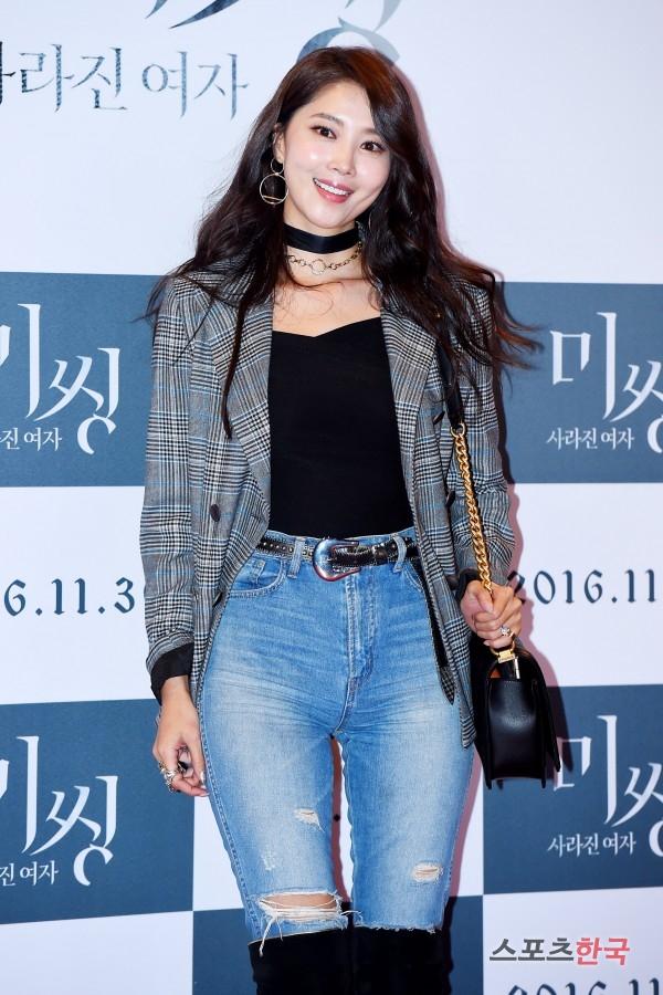 영화 '미씽:사라진 여자' VIP 시사회에 참석하고 있는 오윤아. 사진=이규연 기자 fit@hankooki.com