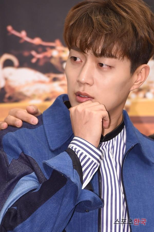 tvN「おうちごはんベクソンセン3」の制作発表会に出席している歌手ユン・ドゥジュン。 写真=ジャンドンギュ記者jk31@hankooki.com