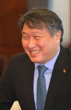 최태원 SK그룹 회장 <SK그룹 제공&gt;