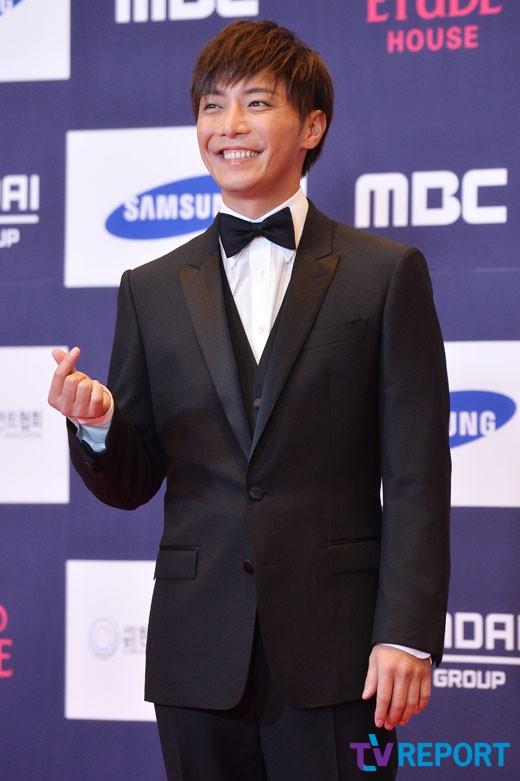 [룩@재팬] '은퇴 선언' 배우 나리미야 히로키, 日 복귀 움직임