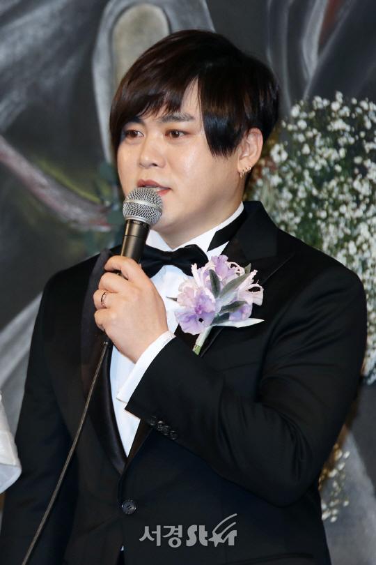 """문희준, """"팬들에게 상처 남겨 죄송..모두 내 잘못""""(공식입장)"""