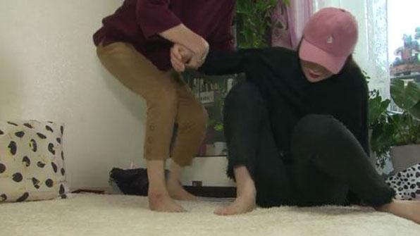 [취재후] 수술 자세 때문에 다리 마비?..병원은 '쉬쉬' #KBS