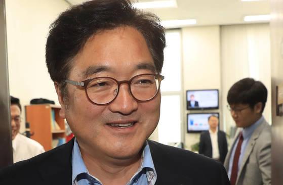 우원식 '한국당, 월급 150만원으로 가족 부양? 직접 해보라' #중앙일보