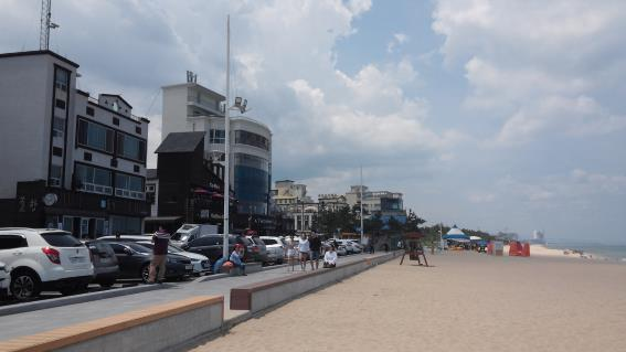 커피거리로 유명한 강원도 '안목해변' 조망이 뛰어나 고객의 발길이 끊임없다