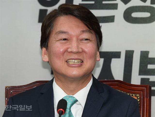 안철수 바른미래당 인재영입위원장이 16일 오전 국회에서 열린 인재영입 발표에서 발언하고 있다. 오대근 기자