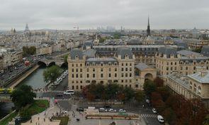 대성당에서 바라본 파리 전경